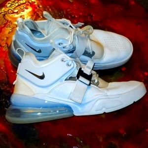 Nike Air Force 270 mens basketball shoe